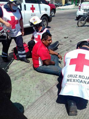 Camión impacta a motociclista