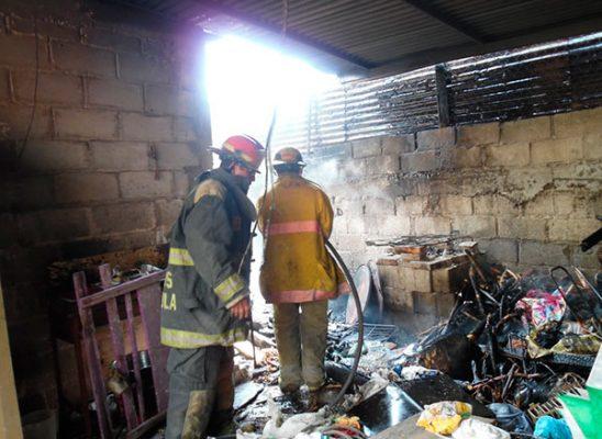 Fogón provoca incendio en humilde vivienda