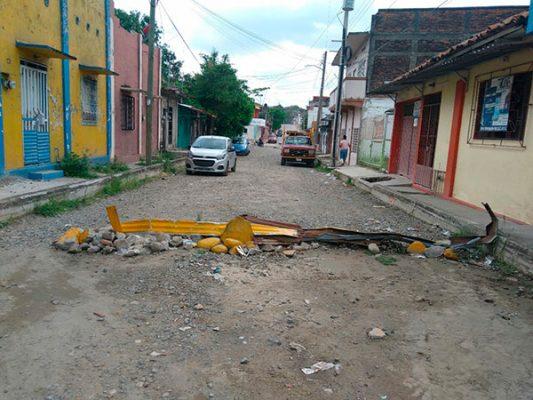 Piden colonos reparación de céntrica calle en Tapachula