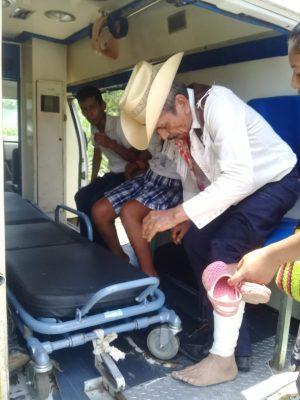 En accidente de motocicleta resultan tres heridos