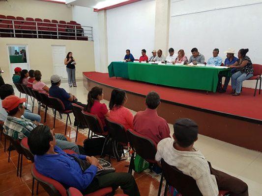 Acuerdan comunidades y Conanp cuidar más el Volcán Tacaná