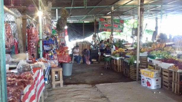 """Buscan estar legales locatarios de mercado """"Los Cerritos"""""""