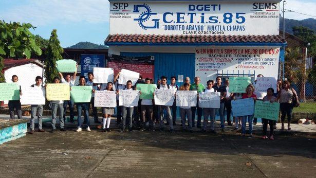 Frágiles negociaciones en CETIS 85 de Huixtla