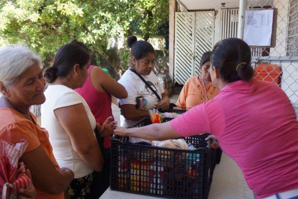 Madres solteras, beneficiadas por Banco de Alimentos