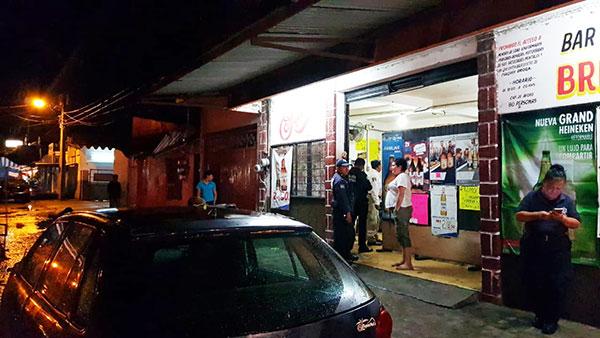 Clausuran ocho bares en Tapachula