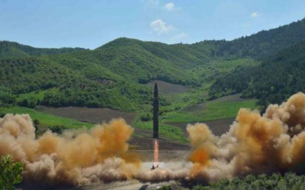 Corea del Norte realiza lanzamiento de misil que sobrevuela a Japón