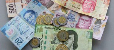 Dólar se vende en 17.56 pesos en promedio en terminal aérea capitalina