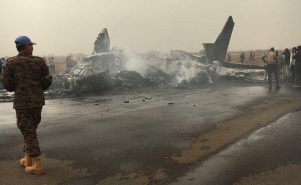 Se estrella avión comercial con 44 personas a bordo en Sudán del Sur