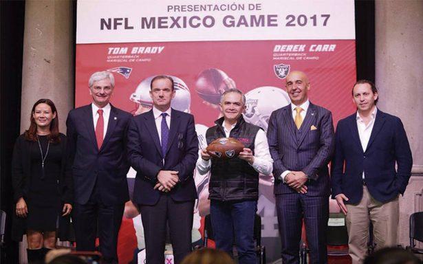 Mancera da la patada inicial para la NFL México Game 2017