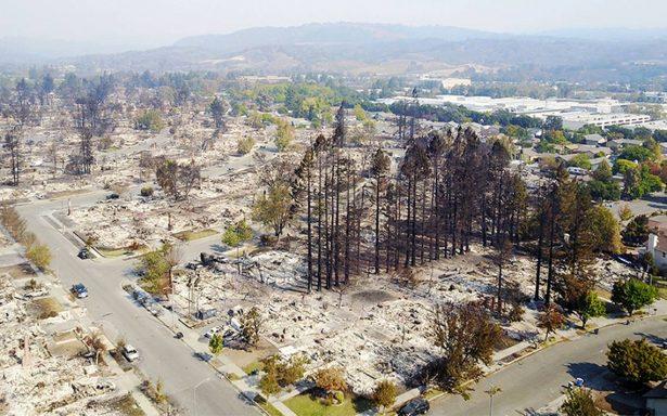"""California, """"catástrofe crítica""""; hay 31 muertos por incendios"""