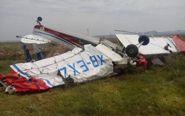 Se desploma avioneta fumigadora en campo menonita