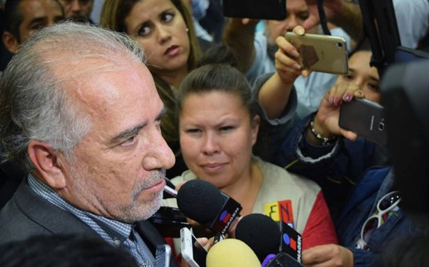 Consejo Universitario elige a Gustavo Urquiza como nuevo rector de la UAEM