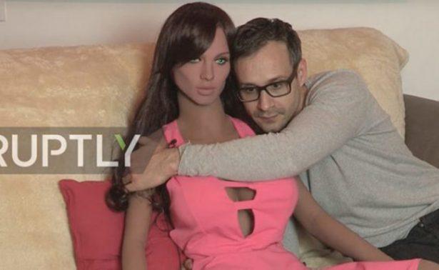 Español crea muñeca sexual con inteligencia artificial