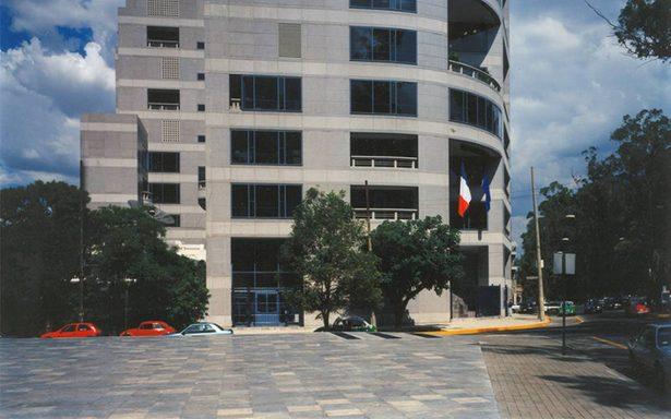 Embajada de Francia rinde homenaje a víctimas del sismo en México