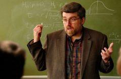 ¿No te cae tu profesor? Denúncialo en internet por ser de izquierda
