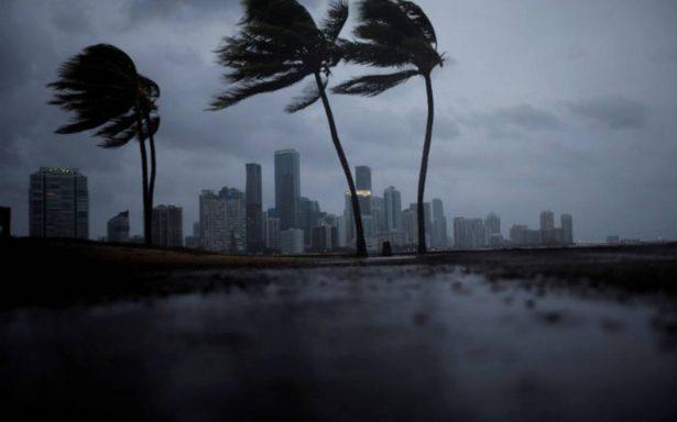 Irma se degrada a categoría 3; se aleja de Miami y va a Tampa