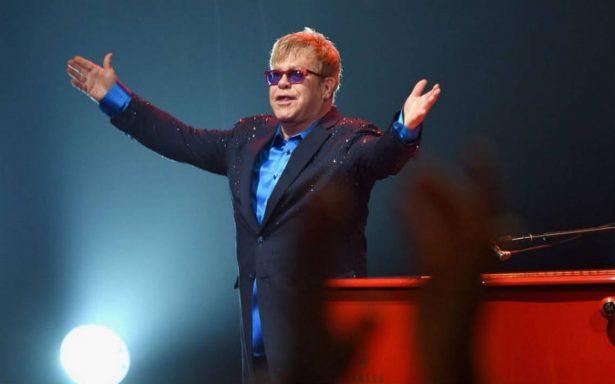 Harvard premia a Elton John por su trabajo en lucha contra el VIH
