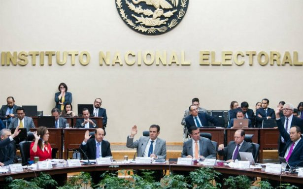 INE declara improcedentes medidas cautelares de diario nacional contra Ricardo Anaya