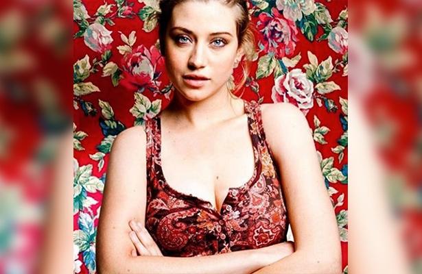 La actriz interpreta a Alfonsina, una chica suicida.