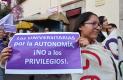 CON pancartas y mantas, los estudiantes expresaron su apoyo a la UAQ.Fotos: Adrián Donantonio