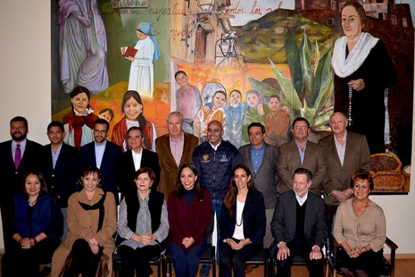 Fundación Josefa Vergara agradece donación de terreno