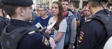 Manifestantes piden a Putin no se presente a reelección