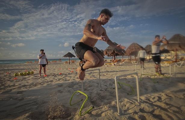 En las playas de Cancún se pueden ver a los jugadores del conjunto queretano.