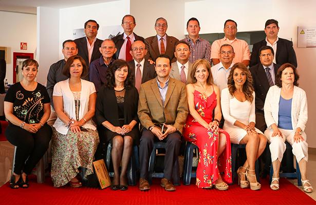 Universidad Cuauhtémoc festeja a sus docentes