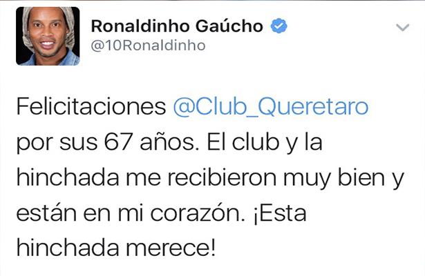 Ronaldinho felicita a Gallos Blancos por su aniversario