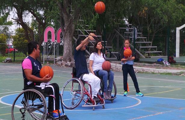 El basquetbol sobre Silla de Ruedas, también estuvo presente en este 1er Festival del Deporte Adaptado, el cual organizó la multimedallista paralímpica, Paty Valle Benítez.
