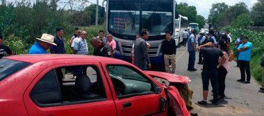 Tres lesionados en accidente ocurrido en la estatal 200