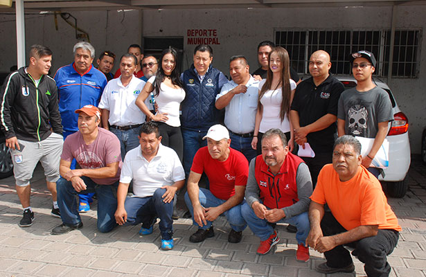 LOS REPRESENTANTES de los equipos participantes en el Torneo Interbarrios de la Divina Pastora, se reportaron ya listos para el inició de la competencia, que será el 25 de julio.