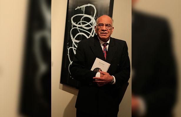 Recopila los poemas escritos a lo largo de 45 años. Foto: Alondra Jiménez