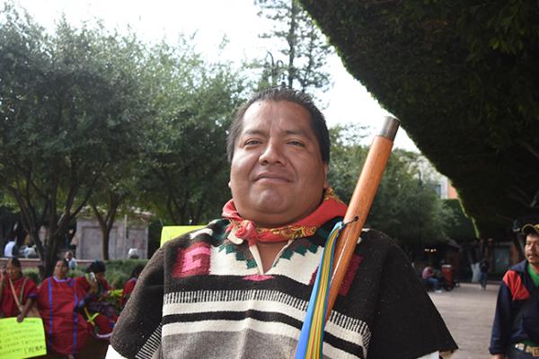 """Denuncian """"indígenas falsos"""" en Encuentro de Culturas Populares"""