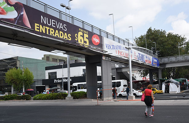 Analizan retiro de puentes peatonales en Av. Constituyentes