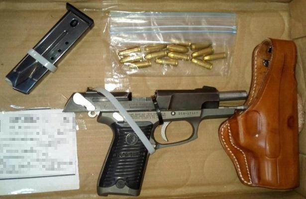 Atrapan a pistolero, portaba una 9 mm