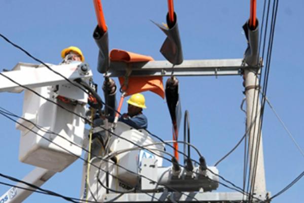 CFE trabaja para restablecer 100% de electricidad tras sismo
