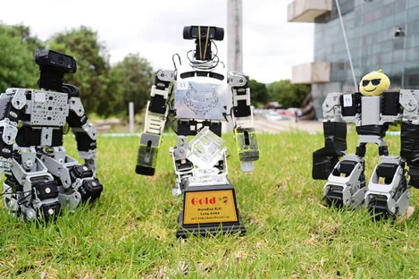Equipo de robótica UAQ-ITC rompe récord mundial en FIRA  RoboWorld 2017
