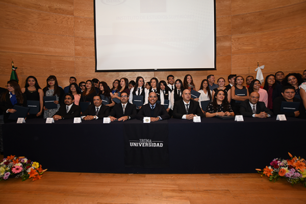 Preside Marcos graduación de alumnos de bachillerato Técnico y Licenaturas