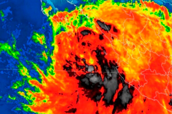 Baja California Sur y Sinaloa, en peligro máximo por Lidia