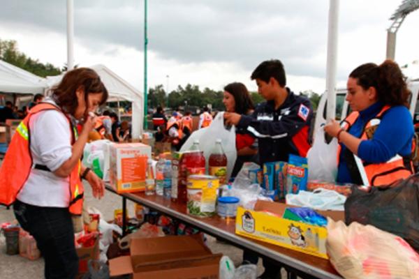 Continúa acopio de ayuda para afectados por sismo y lluvias