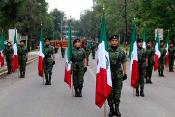 Alistan Desfile Militar por 207 aniversario del inicio de Independencia