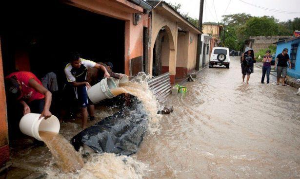 Lluvias dejan más de 2.000 afectados el fin de semana en Guatemala