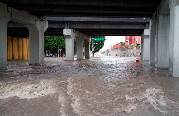 Fuerte lluvia se registra al sur de la capital