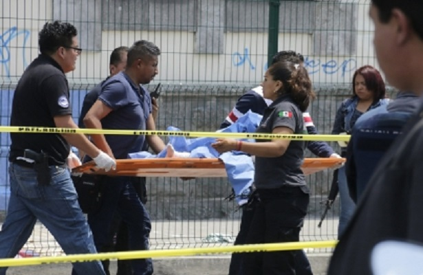 Peña Nieto pide desalojar hospitales afectados por sismo