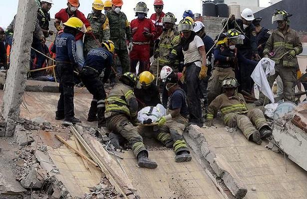 Hay esperanza; han rescatado a 53 personas en la CDMX