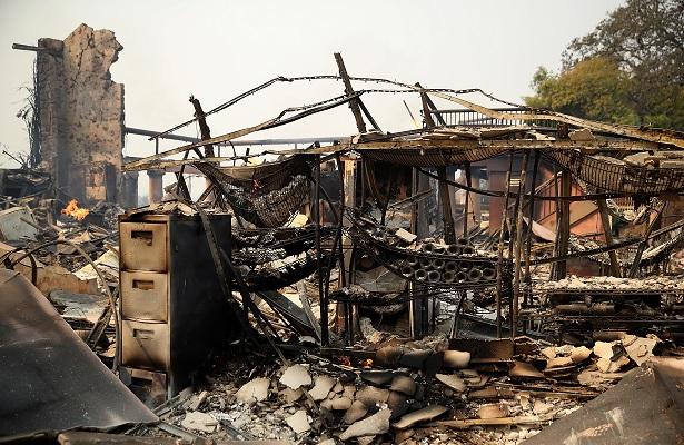 Incendio al norte de California ha arrasado con unos mil 500 edificios