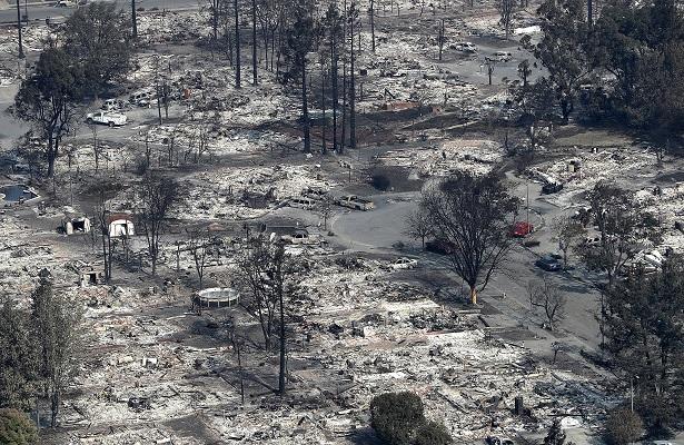 Suben a 17 los muertos por los incendios de California