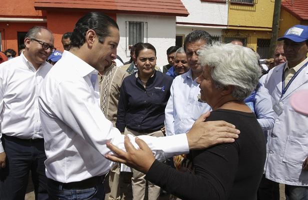 Pancho lleva apoyo a vecinos de La Rueda