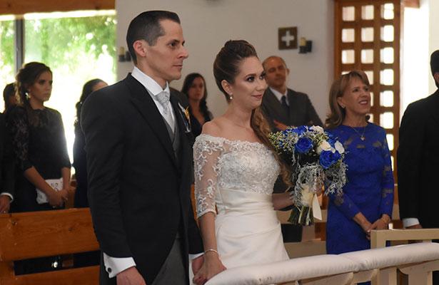 Daniela Martínez y Roxell Schulz ya son marido y mujer